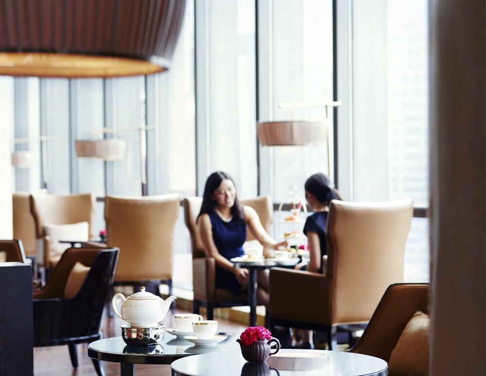 Lobby Lounge - ladies having high tea下午茶体验